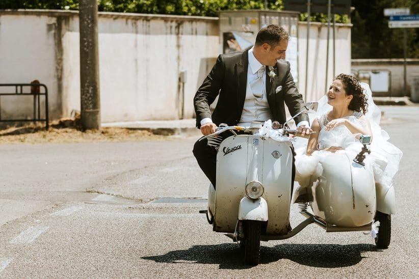 sposi in sidecar